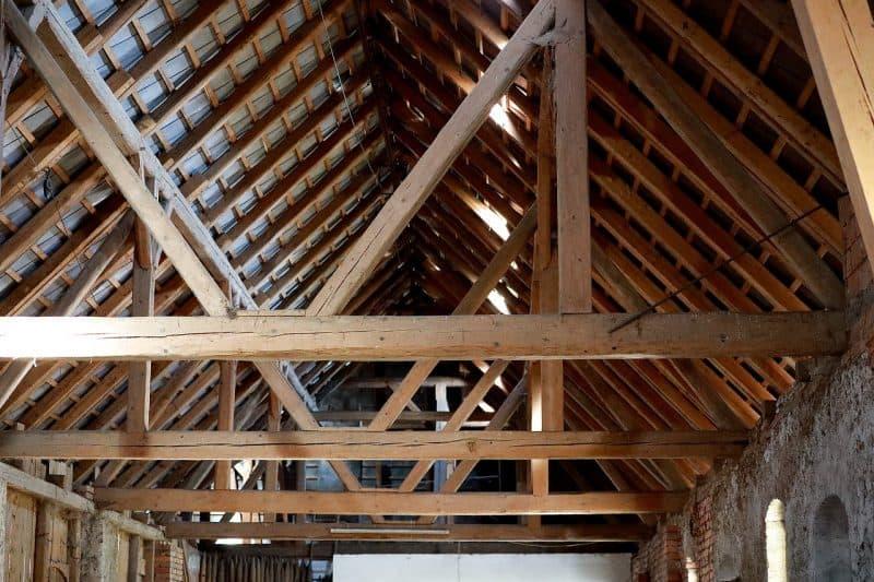 גג בשיפוץ